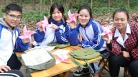 童年:如花老师教田田和伙伴折风车,彩色的风车转动快乐的气息,真美好