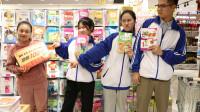 童年:如花老师带同学们进城逛超市,没想是为了给同学们买试卷,真有趣