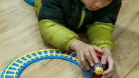 托马斯小火车的轨道会自己转圈