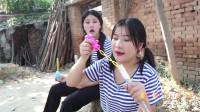 田田的童年搞笑短剧:田田给妹妹用洗衣粉做泡泡水,你小时候自己做过泡泡水吗?真好玩