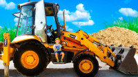 超炫酷!萌宝小正太化身挖掘机司机!可是工程车的轮子竟然爆胎了咋办?儿童玩具故事游戏亲子益智