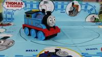 托马斯小火车沿着画线前进,是什么驱动呢?