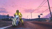 亚当熊GTA5,熊哥开摩托车去山顶越野玩作死