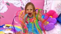 萌娃小可爱做梦梦到了自己手上都是好多彩色的绳子呀,小家伙可真是害怕呀!