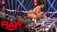 RAW1423:拉娜vs米琪詹姆斯 顶不住了就趴到边绳休息 这招很聪明