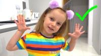 萌娃:小朋友们吃饭前记得要先洗手哟!