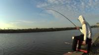 钓鱼实战233,自制散炮钓底钓浮多种应变终获鱼口