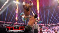 2020TLC大赛 RAW双打冠军赛 科菲起跳准备发坠击 竟被谢尔顿空接