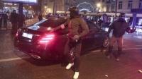 比利时首都发生骚乱,国王专车被示威者袭击