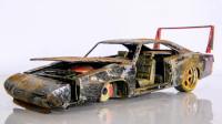 小伙捡到一辆废弃的汽车,精心修复一番后,结果太炫酷了!