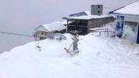 俄罗斯一滑雪场发生雪崩 致1人死亡