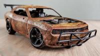 小伙捡到一辆废弃的车模型,精心修复一番后,不料太炫酷了!