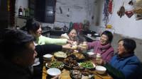 婆婆58岁生日,胖妹准备了啥惊喜?还做桌拿手菜,边吃边聊好开心