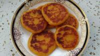 老家的南瓜就是甜,做的南瓜饼外焦里糯,比买的好吃多啦!
