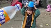 趣味童年:小萌娃快来分饮料喝咯