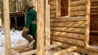 木屋建造 丛林工艺 建造一个实用经济的木屋 第11部分  走廊地板搁栅建造