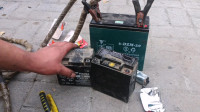 用一节报废的5号电池就能做一个移动电焊机?别不信,试过后效果不错