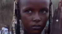 非洲沙漠深处的未知人种,身高两米身材苗条牙齿洁白的化妆美男