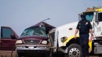美国重大车祸致15人死亡:荷载8人塞28人,多人从车内飞出