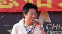 著名导演公开叫板贾玲:不要太矫情!