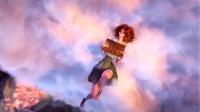 女孩在云朵上看书,却偶遇一只小松鼠