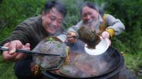 胖妹干活肚子饿,老公4只甲鱼炖一锅,又香又辣,这次吃过瘾了