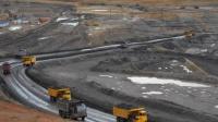 新疆一煤矿发生透水事故21人被困,已有8人升井