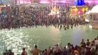 命都不要了!印度超两百万人聚集恒河边沐浴