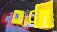 5辆超大的工程车怎么会藏在桶里?挖掘机、吊车、翻斗车集合!