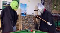 搞笑奥特曼:迪迦和鱼头怪打台球,由于技术太好打红眼了!