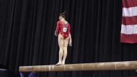 女子体操比赛现场,中国选手芦玉菲平衡木表演