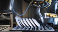 比人洗的干净的洗碗机器人,每天洗数万套餐具,是人效率的100倍