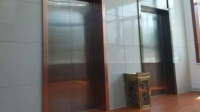 因为一个动作电梯门直接炸了!这个坏习惯要改