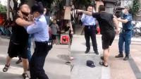 辅警劝导一对男女戴头盔遭殴打 警方:涉事2人被行政拘留