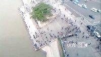 【拍客】2012国庆出行看人海之武汉长江江滩