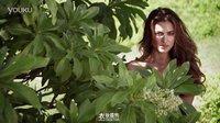 C罗女友伊莲娜2011年《体育画报》性感泳装大片2【衣妆盛饰】