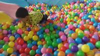 亲子互动游戏《儿童乐园游乐场16》萌宝海洋波波球滑滑梯荡秋千厨房过家家 波波球乐园 超级飞侠巨大黄金蛋 小猪佩奇奥特曼米老鼠 太空沙百变沙造梦幻城堡 过家家玩具
