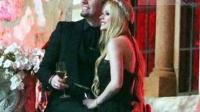 艾薇儿与未婚夫法国城堡完婚 绚烂烟火下上演浪漫之吻 130704