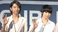 粉丝热情等待偶像签名 CNBLUE用中文问候歌迷
