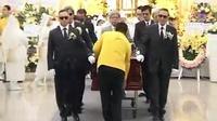 王晶父亲王天林出殡 众星送别最后一程