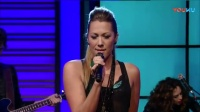 Colbie Caillat美国节目首演新单《Hold On》