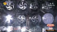 Jessie J透明上衣性感登台,热情与粉丝互动握手,嗨翻全场!