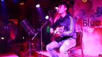 音乐影像01 酒吧小伙翻唱赵雷《30岁的女人》不一样的情感