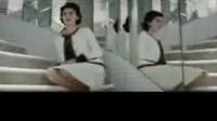 年轻的夏奈尔电影预告片