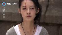 女孩为了治好哥哥的病,一步一步磕去寺庙,围观的群众都泪崩了
