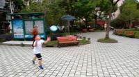 【6岁】10-12哈哈跟爷爷一起玩飞盘,丢飞盘VID_171457