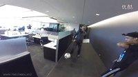 在GoPro总部办公室里踢球 原来GoPro雇员里暗藏这么多高手