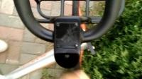 一辆共享单车二维码被涂漆_20170906