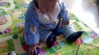 我家11个月大宝宝玩智力玩具
