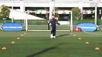 汤姆-拜尔校园足球视频教学之六 脚内侧踩拉球综合练习